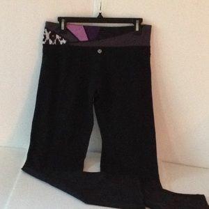 🍃🌹Lululemon Athletica - Astro Print Waist Pants